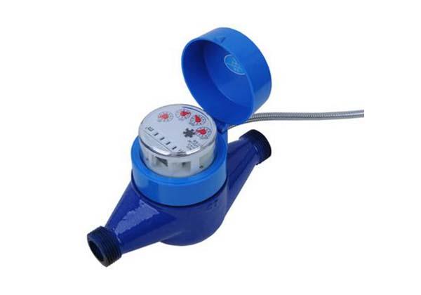 LORA无线水表在安装时无需复杂的布线,对于老旧小区的安装环境十分适合